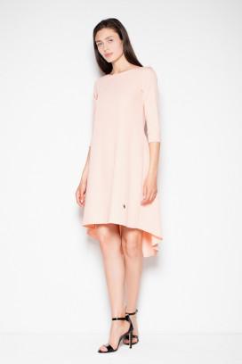 Krátke broskyňové šaty s asymetrickou sukňou model 77207 vt