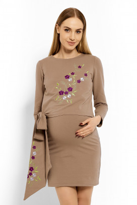 Tehotenské béžové šaty s kvietkovou aplikáciou model 113210 Pb
