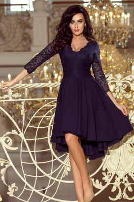 210-2 Krátke tmavomodré spoločenské šaty s asymetrickou nariasenou sukňou a čipkovaným vrchom