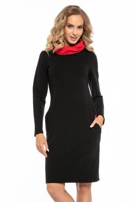 Krátke čierne športové šaty s vreckami a červeným rolákom model 121260 ta