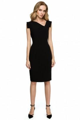 Krátke čierne púzdrové šaty s asymetrickým výstrihom model 121931 se