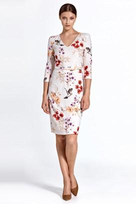Krátke biele kvietkované púzdrové šaty s 3/4 rukávom model 128458 - ctt