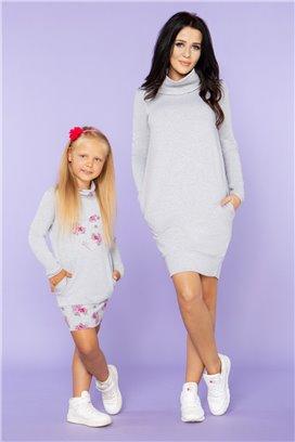 MMD23-2 Šedé športové šaty so šedým kvietkovaným srdiečkom - dcérka