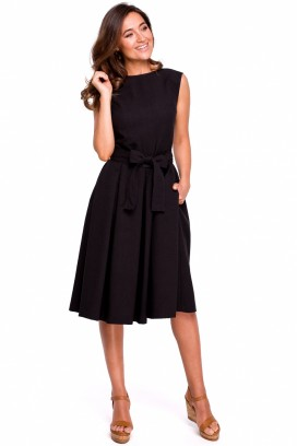 Čierne midišaty s nariasenou širokou sukňou s mašľou bez rukávov model 132585 se