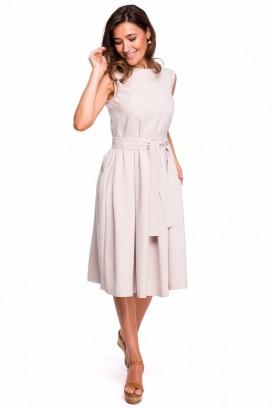 Smotanové midišaty so širokou nazberanou sukňou, opaskom, bez rukávov model 132586 se