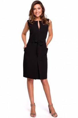 Krátke čierne púzdrové šaty s vreckami model 132594 se