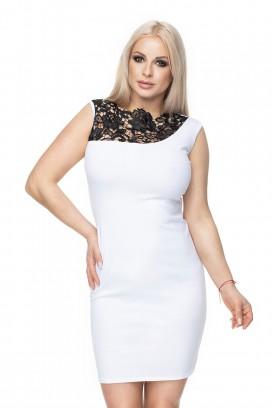Krátke biele púzdrové šaty s čiernou čipkou model 133357 Pb