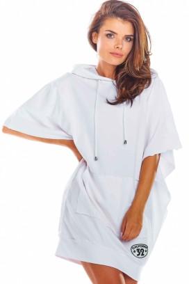 Krátke biele voľné športové šaty s kapucňou a krátkymi rukávmi model 133718 iy