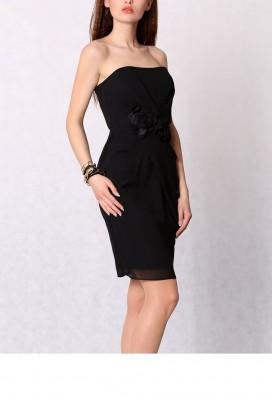 Krátke čierne spoločenské púzdrové šaty s ružičkami model 29076 YS